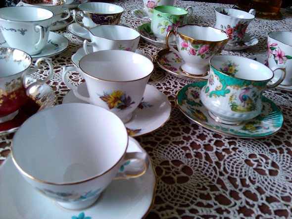 vintage teacups, cups and saucers, Victorian tea