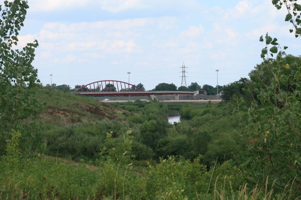 bike bridge over QEW, Hamilton, bike trail to waterfront
