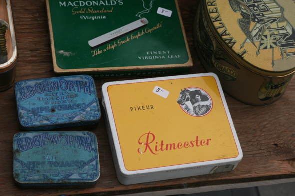 Kingston antique market, antique tins