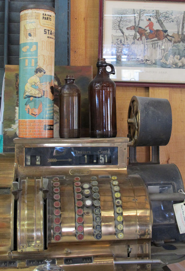 Punch Bowl Country Market, 136 Ridge Road, Stoney Creek, old cash register, antique