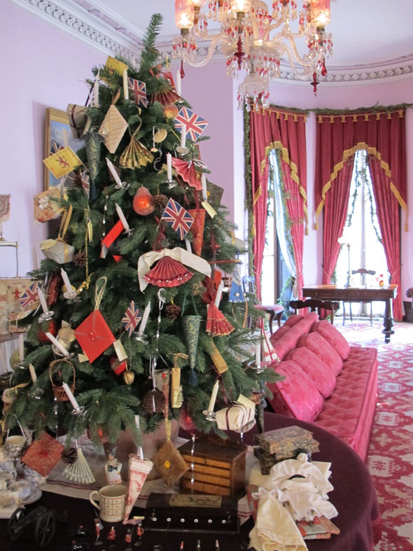 Dundurn castle, parlour, Victorian Christmas tree, Victorian Christmas decorations, Hamilton