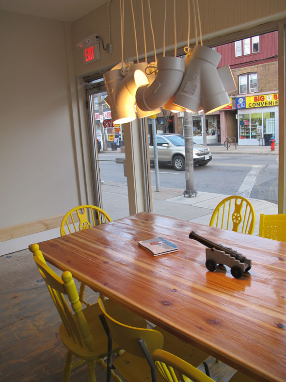 cannon coffee co. Hamilton, ontario, 179 Ottawa St. north, light installation Enoch Kuu