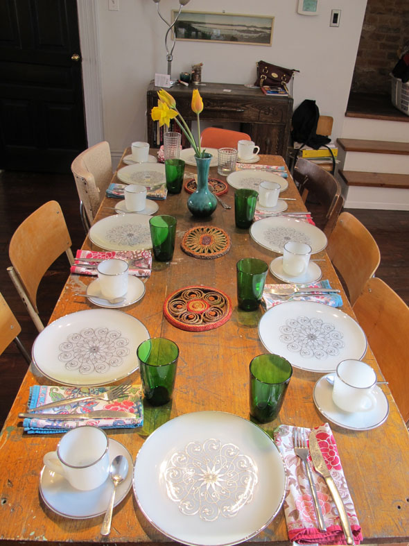 brunch, table setting, vintage plates, and cups