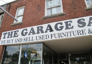 garage sale place signage