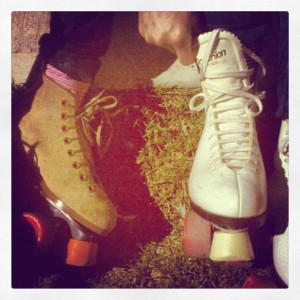 roller skate lace up