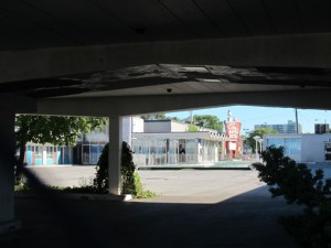 City Motor Hotel view from side